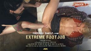 perversefamily-e39-extreme-footjob.jpg