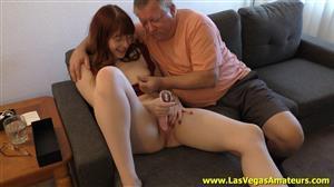 lasvegasamateurs-21-03-29-hannah-grace-shows-her-daddy-gerald-her-new-tongue-vib.jpg