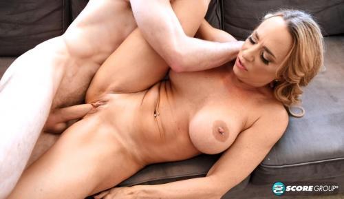 Kenzi Foxx - Kenzi's bikini and XXX ass-fucking show 1080p