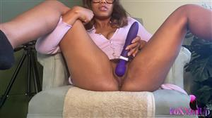 foxxedup-21-04-07-trying-my-new-purple-vibrator.jpg
