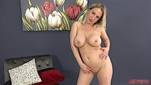 allover30-21-04-13-quinn-waters-mature-housewives.jpg