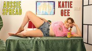 girlsoutwest-21-04-14-katie-gee-aussie-spread.jpg