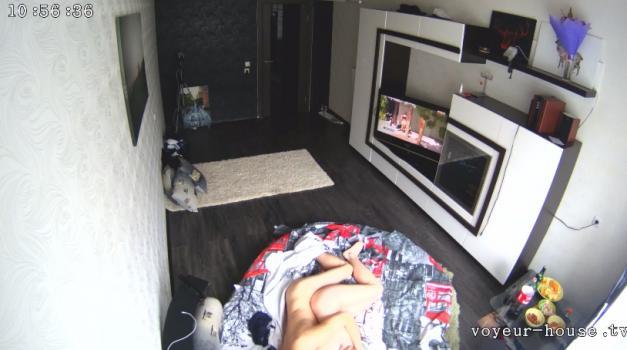 Voyeur-house.tv- A  a new guys left alone
