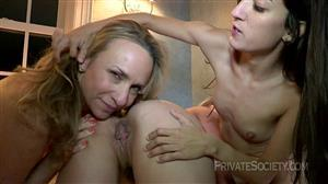privatesociety-21-03-25-shes-good-at-multi-tasking.jpg